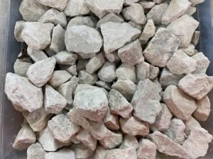 Stone Chip Premier Cotswold   20-10mm  Tonne